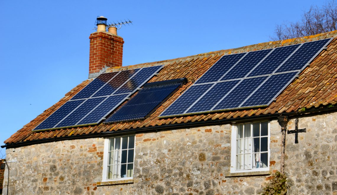 maison-panneaux-solaires